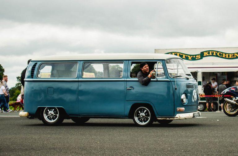vw camper drag racing blue