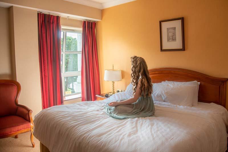 travel Ireland Cheap, Travling ireland on a budget, visit ireland on a budget, hotel killarney,